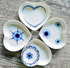 Pottery Painting, Dot Painting, Paint Your Own Pottery, Mandala Dots, Easy Projects, Art Tutorials, Diy Art, Embellishments, Diy And Crafts