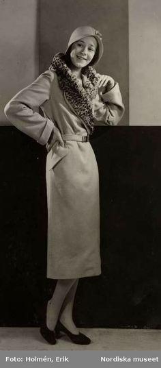 Digitalt Museum - Nordiska Kompaniet, dammode. Vårkläder, 18 mars 1931