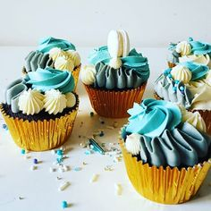 Cupcakes: Textured buttercream. Cupcakes, Treats, Texture, Desserts, Food, Sweet Like Candy, Surface Finish, Tailgate Desserts, Cupcake