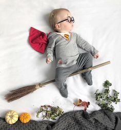 Ask yourself if you need baby tips? Check the hyperlink to know more. Monthly Baby Photos, Baby Boy Photos, Newborn Pictures, Baby Photo Shoots, Cute Babies Photography, Newborn Baby Photography, Photo Deco, Baby Kostüm, Foto Baby