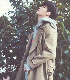 Lee Jong Suk for Ceci Korea Park Hyung Sik, Lee Min Ho, Asian Actors, Korean Actors, Boys Lindos, Jun Matsumoto, Up10tion Wooshin, Lee Jong Suk Wallpaper, Jong Hyuk