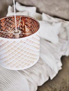 Nytt i februari! NYMÖ lampskärm i vitt och kopparfärg.