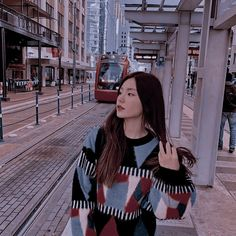 ) suas próprias imagens e vídeos no We Heart It Kpop Girl Groups, Korean Girl Groups, Kpop Girls, My Girl, Cool Girl, Jennie Blackpink, Indie Kids, K Idols, South Korean Girls