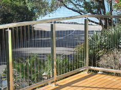 Stainless steel balustrades with wire rigging Exterior Handrail, Interior Stair Railing, Balcony Railing, Railing Design, Deck Railings, Banisters, Wire Balustrade, Glass Handrail, Stainless Steel Balustrade