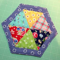 Autumn baking is coming - free hotpad tutorial @ Little Bits of This & That