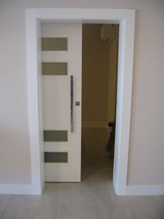 Interior Wood Doors – What You Must Look for While Buying Interior Wood Doors Wooden Sliding Doors, Sliding Glass Door, Wood Doors, Slidding Door, Door Design Interior, Glass Front Door, Front Doors, Luxury Kitchen Design, Master Room