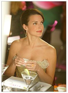 "Forget Carrie, Samantha and Miranda. Kristin Davis' deceptively sweet ""Sex and the City"" character has turned out to be the most intriguing -- and sexiest -- one of all. Kristin Davis, Sarah Jessica Parker, Charlotte York Goldenblatt, Samantha Jones, Melrose Place, Fashion Tv, City Fashion, Carrie Bradshaw, City Style"