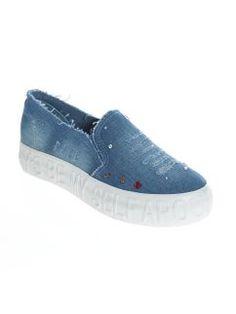 Zapatillas bambas vaqueras tejido desgastado con aplicaciones Jeans Store, Slip On, Denim, Sneakers, Shoes, Ideas, Fashion, Shopping, Slippers