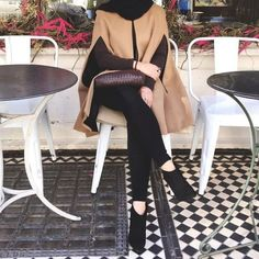 Camel cape black ankle booties hijab chic-How to be elegant hijabista – Just Trendy Girls Abaya Fashion, Muslim Fashion, Modest Fashion, Girl Fashion, Fashion Outfits, Hijab Style, Hijab Chic, Girl Hijab, Hijab Outfit
