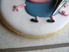 "Biscotti Peppa Pig ""George"" Peppa Pug, Peppa Pig Birthday Cake, Goodies, Decorated Cookies, Calendar, Sweet Like Candy, Gummi Candy, Sweets"