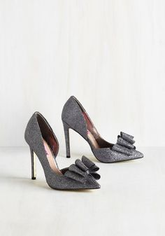 La Vida Luxe Heel in Silver. When life brings you splendrous heels like these silver stilettos, live it up! #black #prom #modcloth