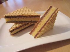 Waffelkuchen 1 Source by Cake Recipe Using Buttermilk, Cream Cheese Flan, Halva Recipe, Condensed Milk Cake, Recipe 21, Cheesecake Bars, Desert Recipes, Sugar Cookies, Paleo Recipes