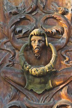 Doorknocker in Italy [enter] Lion Door Knocker, Door Knobs And Knockers, Knobs And Handles, Door Hinges, Stairs Window, Door Detail, Door Accessories, Unique Doors, Door Furniture