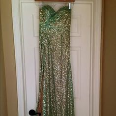 I just discovered this while shopping on Poshmark: La Femme Turquoise Gold Prom Dress. Check it out!  Size: 0