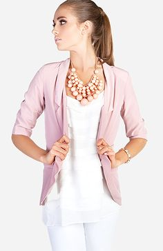 Love the big chunky necklaces that are out.  Adds so much style to a simple outfit.  Necklace from DailyLook. #accessories #necklace