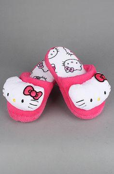 Hello Kitty Super Plush Slipper in Fuchsia Chat Hello Kitty, Girls Slip, Kawaii, Cute Socks, Fur Boots, Baby Birthday, Sanrio, Aesthetic Pictures, Baby Shoes