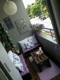40 Inspiring Small Balcony Garden Furniture Ideas For Small Apartment Small Balcony Design, Small Balcony Garden, Small Balcony Decor, Balcony Ideas, Apartment Balcony Decorating, Apartment Balconies, Apartment Design, Apartments Decorating, Relaxing Places