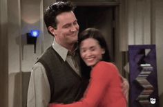 """24 Reasons Why The Best Bit Of """"Friends"""" Was Actually Monica And Chandler Friends Moments, Friends Show, Friends Scenes, Best Tv Shows, Best Shows Ever, Friends Chandler And Monica, Conor Leslie, The Poseidon Adventure, Best Tv Couples"""