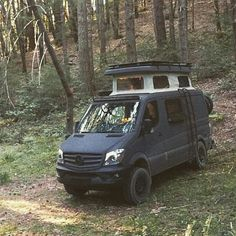@advanturing found a great camp spot off the beaten path! Aluminess roof rack…