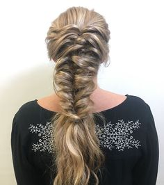 Amazing #braid done by @cassieliz_hair during our recent Bronze Metallic webinar! (Register via the link in our profile to watch the webinar and see how she did it!) #MetallicObsession #KenraColor