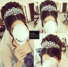 ☺ Wedding Hair And Makeup, Bridal Makeup, Bridal Hair, Hair Makeup, Formal Hairstyles, Bride Hairstyles, Cool Hairstyles, Peinado Updo, Quinceanera Hairstyles