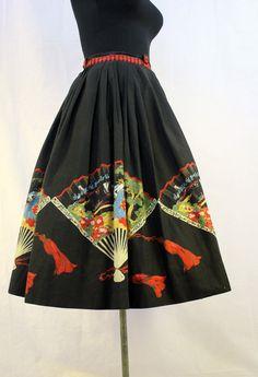 A fantastic 1950s Asian fan novelty print circle skirt. #vintage #1950s #fashion