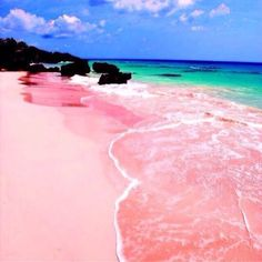 Pink Sand Beach is one of amazing natures on earth that you should know. It locates in Harbour Island, Bahamas. The Pink Sand Beach is the prettiest beach on earth. Places Around The World, The Places Youll Go, Places To See, Around The Worlds, Amazing Places To Visit, Vacation Destinations, Dream Vacations, Vacation Spots, Italy Vacation