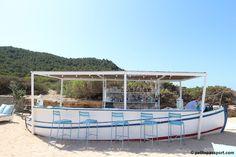 Experimental Beach Ibiza - Chaises de bar #Facto #Bleu turquoise #Fermob www.fermob.com
