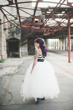 Obsessed with this punk rock wedding dress | A stunning Punk Rock Bride bridal portrait session | Images: Amy Cloud Photography | #tattooedbride #punkrockbride #rockandrollbride
