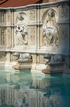 Fonte Gaia, Piazza del Campo, Siena
