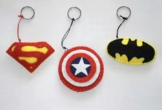 Superheroe keychains set of 3 Superheroe party by twinsandcrafts Felt Diy, Felt Crafts, Fabric Crafts, Diy And Crafts, Arts And Crafts, Craft Projects, Sewing Projects, Felt Keychain, Felt Patterns