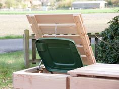 Mülltonnenbox Holz - Holzweise Garbage Can Shed, Garbage Containers, Compost, Canning, House, Ideas, Hide Trash Cans, Nature, Lawn And Garden