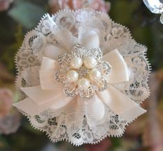 Confetti Flower with Rhinestone brooch, Almond Favors, Wedding Favors Bomboniere Cloth Flowers, Lace Flowers, Fabric Flowers, Wedding Flowers, Almond Flower, Heart Shaped Candy, Personalized Ribbon, How To Make Ribbon, Flower Tutorial
