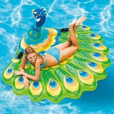 Bring some island flare to your swimming pool with the Intex Peacock Island Ride-On Pool Float. Pool Floats For Kids, Cool Pool Floats, Inflatable Island, Giant Inflatable, Pool Rafts, Intex Pool, Pool Lounge, Pool Accessories, Pool Supplies