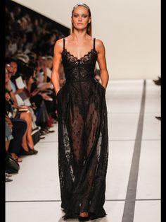 Mes its du défilé Elie Saab printemps-été 2014 -->  pour  les poches de la robe : mon obsession mode <3