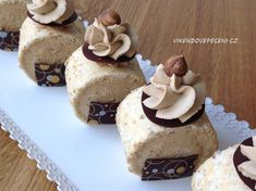 Delicious Desserts, Dessert Recipes, Sweets Cake, Pavlova, How Sweet Eats, Baking Tips, No Bake Cake, Baked Goods, Biscuits