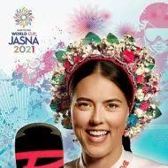 Romana vyrobila honosný veniec pre víťazku pretekov v Jasnej   Nový Čas Sports Stars, Petra, Roman, Lady, Country, Fotografia, Rural Area, Country Music