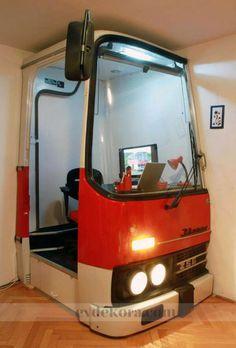 http://evdekora.com/resim/2012/12/ofis-dunyasinda-ilginc-tasarimlar-1.jpg adresinden görsel.