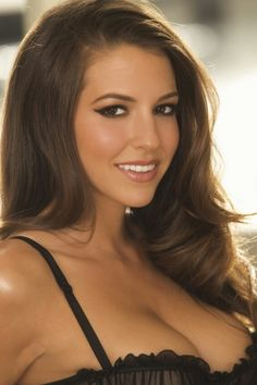 Exquisite Females : Photo