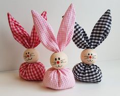 42 Fun and Easy Easter DIY Crafts Ideas for Kids DIY crafts; Spring Crafts, Holiday Crafts, Easy Crafts, Diy And Crafts, Adult Crafts, Diy Y Manualidades, Easter Crafts For Kids, Kids Diy, Easter Ideas