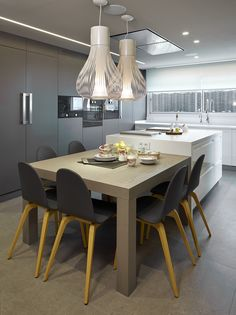 Kitchen Island Ideas - Personalize a cooking area island to match your personal design, and also make it even more rewarding to cook and amuse. Diy Kitchen, Kitchen Interior, Kitchen Design, Kitchen Decor, Kitchen Modern, Kitchen Island Dining Table, Kitchen Islands, Dining Room, Cuisines Design