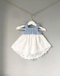 Trendy knitting for kids little girls fabrics ideas Knitting For Kids, Baby Knitting Patterns, Crochet For Kids, Lace Knitting, Crochet Baby, Knit Crochet, Knit Baby Dress, Knitted Baby Clothes, Baby Sweaters