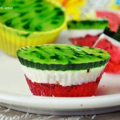 Arbuziczki - mini serniczki arbuzowe Homemade Pastries, Watermelon Recipes, Polish Recipes, Cookie Desserts, How Sweet Eats, Mini Cakes, Tasty Dishes, Cake Recipes, Food And Drink