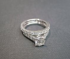 Diamond Engagement Ring Wedding Band Set