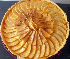 Biscuits, Deserts, Brunch, Baking, Food, Pastries, Sweet Recipes, Sweetie Pies Recipes, Tarte Tatin