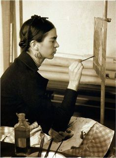 Frida Kahlo in 45 Vintage Photos – Fubiz Media