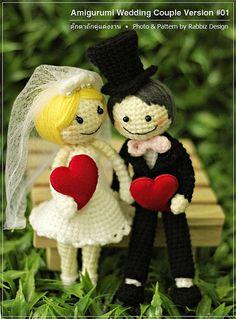 Amigurumi Wedding Couple by rabbizdesign, via Flickr