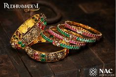 40 Exquisite Bridal Jewellery Which Caught Shopzters' Eye! Gold Bangles For Women, Gold Bangles Design, Gold Jewellery Design, Hand Jewelry, India Jewelry, Temple Jewellery, Latest Gold Jewellery, Antique Jewelry, Antique Gold
