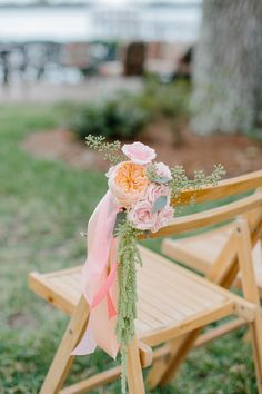 Photography: Shannon Michele Photography - shannonmichelephotography.com/  Read More: http://www.stylemepretty.com/2014/04/23/pink-peach-backyard-charleston-wedding/