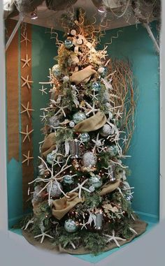 Christmas Tree Decorating Beach Themes ~ The most colorful and sweet christmas trees. The most colorful and sweet christmas trees. Beach christmas d? Beach Christmas Trees, Christmas Tree Food, Coastal Christmas Decor, Nautical Christmas, Tropical Christmas, Noel Christmas, Rustic Christmas, Christmas Tree Decorations, Christmas Ornaments